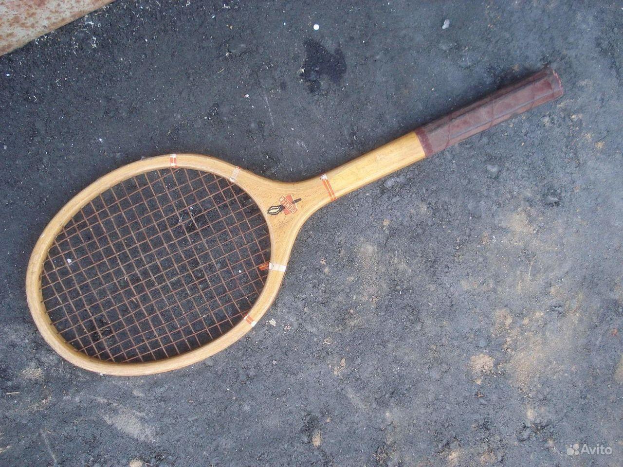 теннисная ракетка или ракетка для бадминтона?