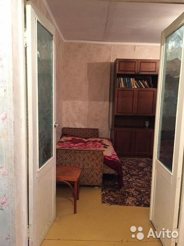 1-room apartment, 32 m2, 3/5 floor.