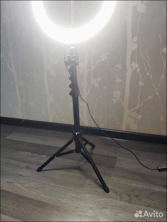 89272364863  Кольцевая лампа со штативом