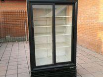 Холодильный вертикальный шкаф