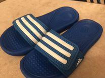 Adidas аквашлепки